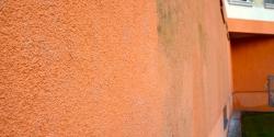 UV degradace fasád