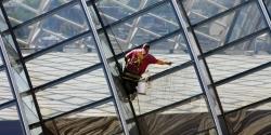 Výškové mytí oken a skel
