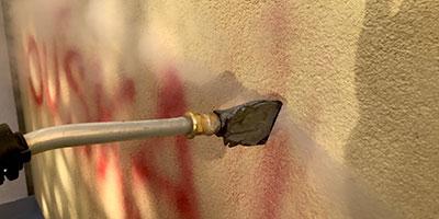 Čištění zateplených fasád