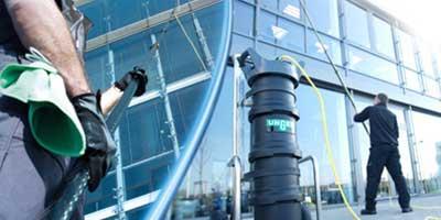 Mytí skleněných fasád